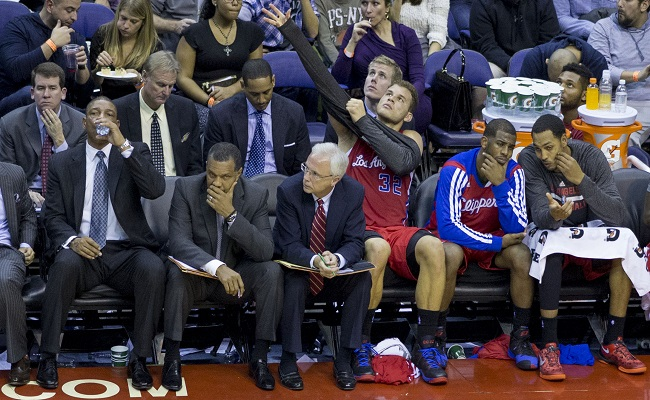 Why Do NBA Players Wear Warm Ups On Bench